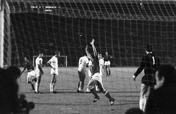 Domenghini marcó el gol que forzó el desempate en la final de la Eurocopa de 1968 - Odio Eterno Al Fútbol Moderno