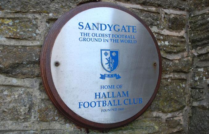 Placa que acredita a Sandygate Road como el estadio más antiguo del mundo - Odio Eterno Al Fútbol Moderno