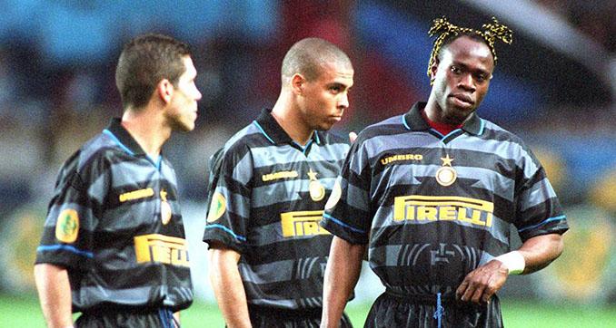 Taribo West junto a Simeone y Ronaldo durante su etapa en el Inter - Odio Eterno Al Fútbol Moderno