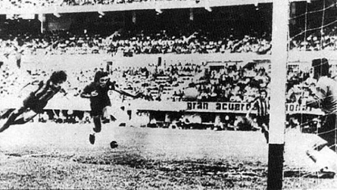 """La """"palomita"""" de Poy - Odio Eterno Al Fútbol Moderno"""