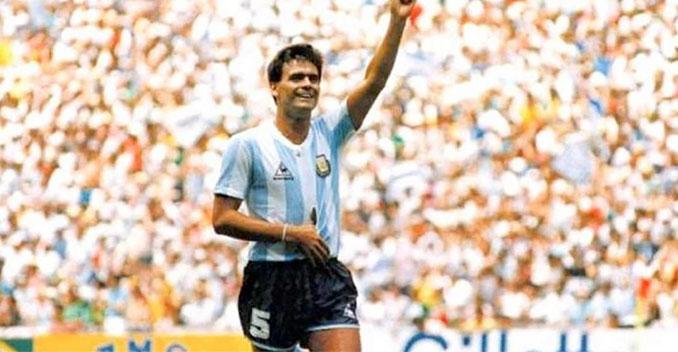 El Tata Brown durante la final del Mundial de 1986 - Odio Eterno Al Fútbol Moderno