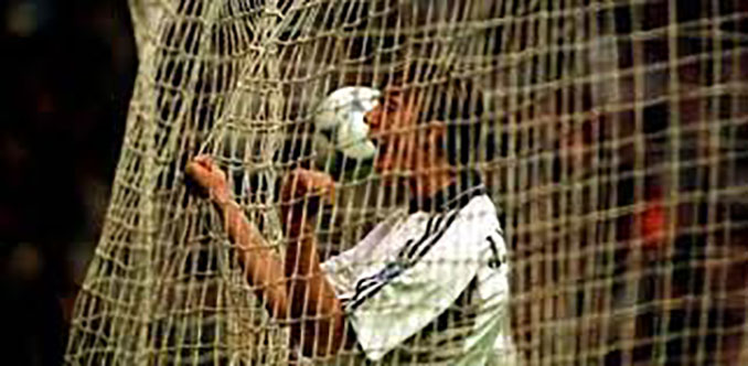 Guti logró un hat trick ante el Villarreal en la temporada 2000-2001 - Odio Eterno Al Fútbol Moderno