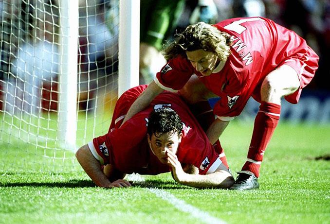 Robbie Fowler protagonizó una de las celebraciones más controvertidas en la historia del fútbol - Odio Eterno Al Fútbol Moderno