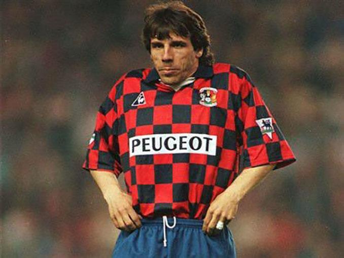 Zola el día que el Chelsea jugó con la camiseta del Coventry City - Odio Eterno Al Fútbol Moderno
