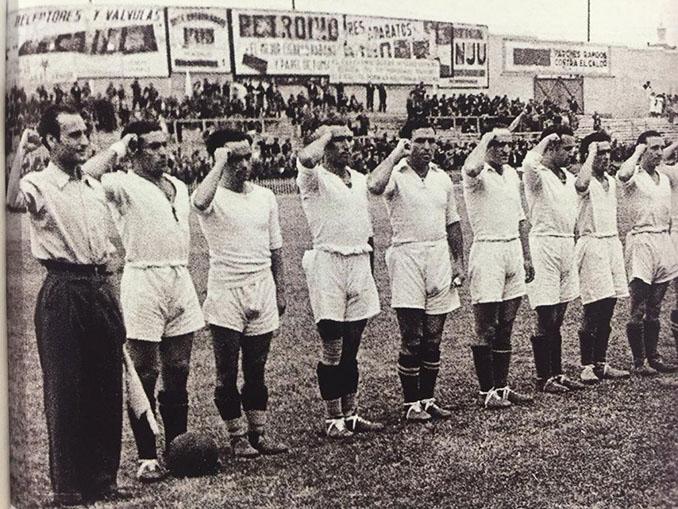 """Muchos aficionados denominan al Real Madrid como """"el equipo del gobierno"""" - Odio Eterno Al Fútbol Moderno"""