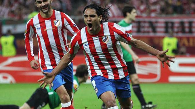 Radamel Falcao marcó dos goles al Athletic Club en la final de la Europa League de 2012 - Odio Eterno Al Fútbol Moderno