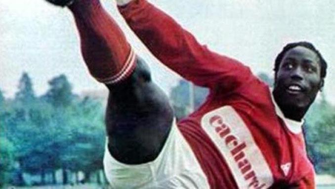 Jean-Pierre Adams durante su etapa en el Nimes Olympique - Odio Eterno Al Fútbol Moderno
