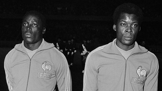 """La """"Guardia Negra"""", formada por Jean-Pierre Adams y Marius Trésor - Odio Eterno Al Fútbol Moderno"""