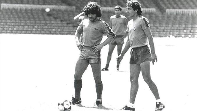 Maradona y Mágico González entrenando con el FC Barcelona - Odio Eterno Al Fútbol Moderno