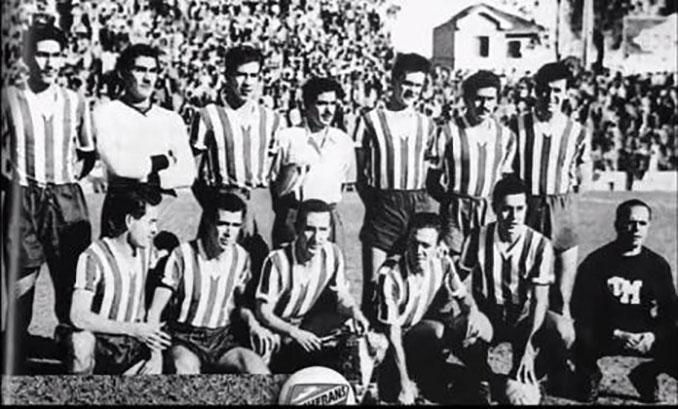 Jugadores mexicanos con la camiseta de Cruzeiro de Porto Alegre - Odio Eterno Al Fútbol Moderno