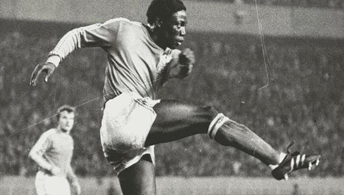 Jean-Pierre Adams quedó en coma en 1982 por un error con la anestesia - Odio Eterno Al Fútbol Moderno