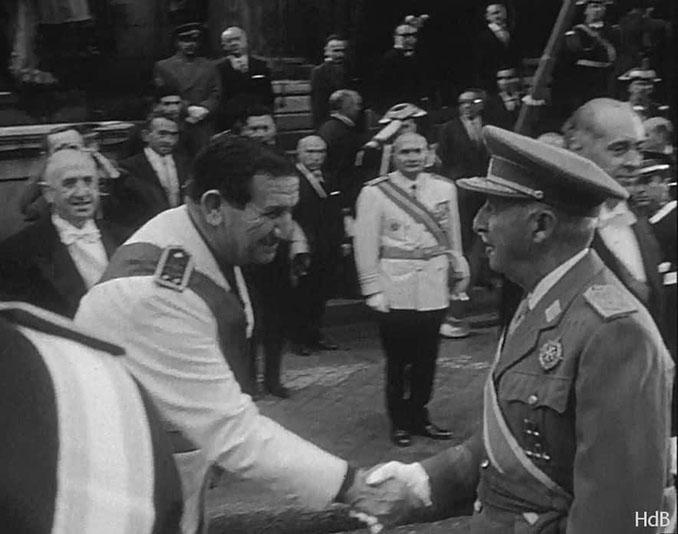 Franco con Muñoz Grandes, quien fuera general de la División Azul - Odio Eterno Al Fútbol Moderno