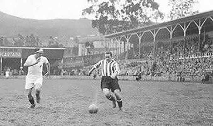 Guillermo Gorostiza en un partido con el Athletic Club - Odio Eterno Al Fútbol Moderno
