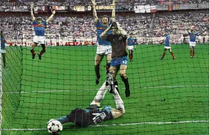 Gol de Platini a España en la final de la Eurocopa de 1984 - Odio Eterno Al Fútbol Moderno
