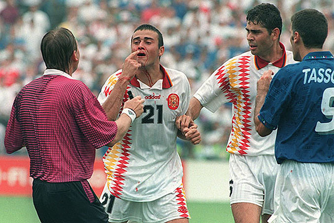 El codazo de Tassotti a Luis Enrique es una de las imágenes más recordada en la historia de los Mundiales - Odio Eterno Al Fútbol Moderno
